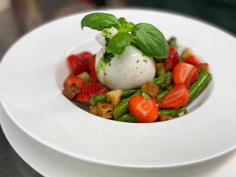 Erdbeersalat Speise jahnterasse